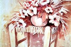 09-Alter Binsenstuhl-mit-Vase