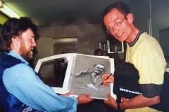 08.1-Piet-Klocke beim Signieren