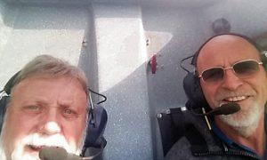 Der Pilot und sein Fluggast